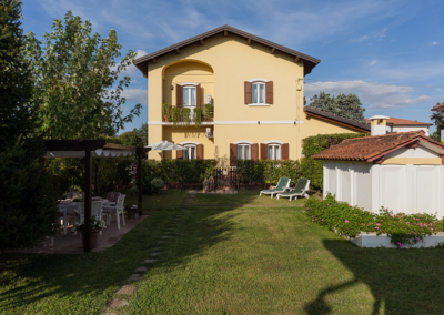 Nina Guest House_Giardino (1)
